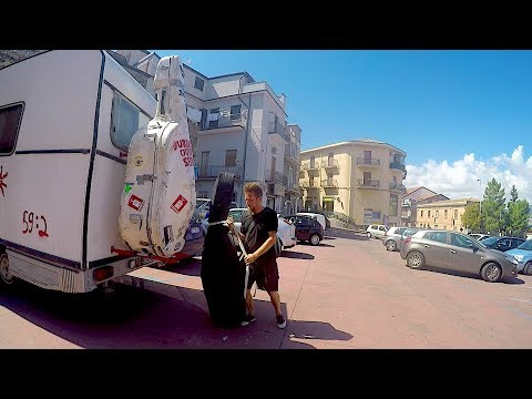 BRONTE, SICILY | URBAN OUTDOOR SESSION
