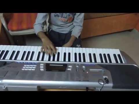 Sarang Plays Mala Jau Dya na Ghari (Natrang movie) on keyboard