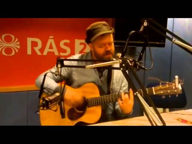 mugison-the-pathetic-anthem-live-i-palsson-og-litla-a-ras-2-doddi-dodds