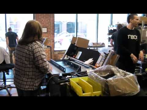 Special : Moog Music Factory Tour