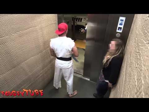 Страшный прикол в лифте - Страшное видео