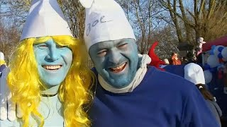 Guinness World Records: German town 'holds largest-ever Smurfs meeting'