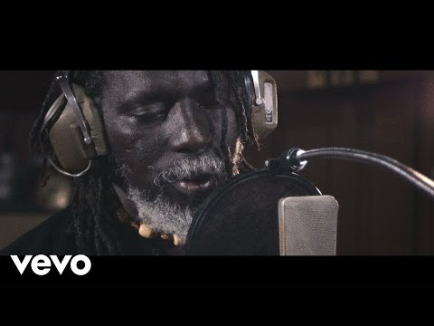 Tiken Jah Fakoly - Is It Because I'm Black? ft. Ken Boothe