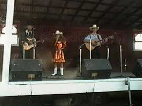 Yodeling Mallorie Haley * 2000 Old Time Country Music Festival, Avoca Iowa