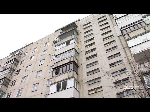 Чернівецький Промінь: У будинку на Героїв Майдану дірявий дах, а у підвалі протікають каналізаційні труби