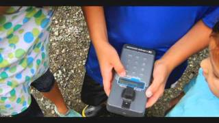 Lightweight, water-tight and easy-to-use field fluorometer
