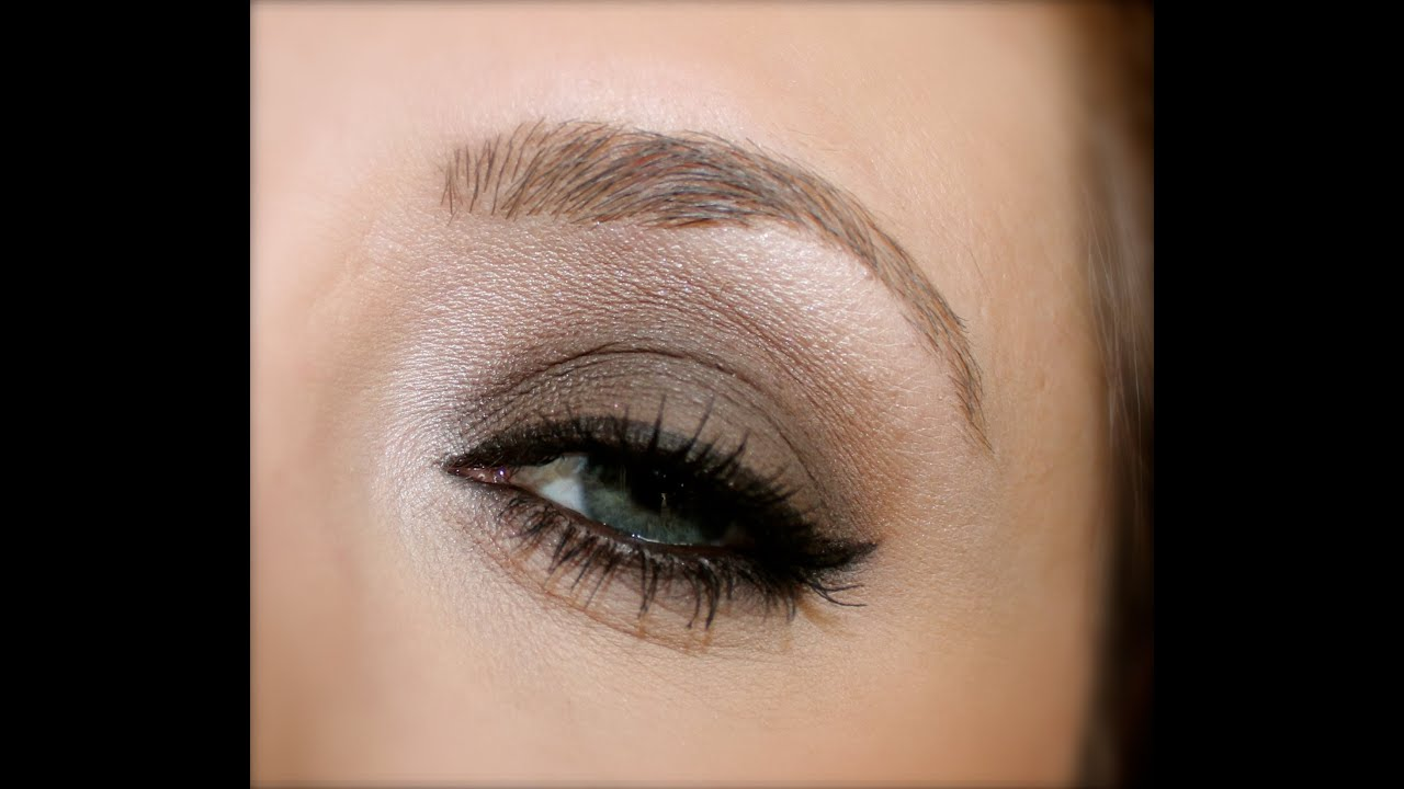 Brown Smokey Eye For Blue And Green Eyes Urban Decay Naked Basics