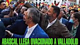 OVACIÓN A SANTIAGO ABASCAL EN VALLADOLID, presenta La Agenda España