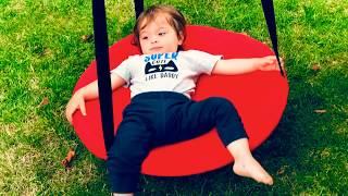 Ege Yazlıkta Kırmızı Salıncak Buldu Sallandı - Eğlenceli Çocuk Videosu- kids and child fun red swing