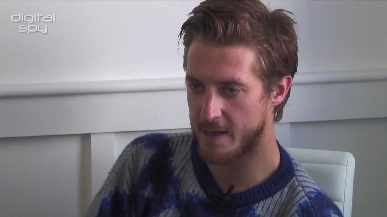 Doctor Who's Arthur Darvill teases 'The Girl Who Waited' and the end of season 6 - YouTube