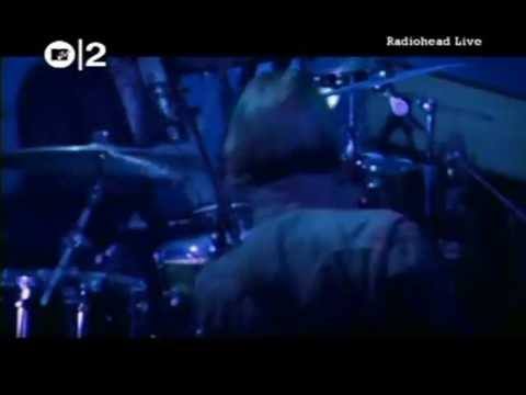 RADIOHEAD   2 + 2 = 5 live 26/11/2003 Earls Court