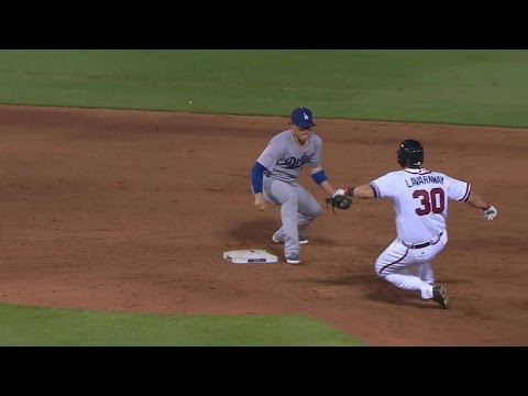 LAD@ATL: Puig nabs Lavarnway trying for second