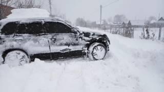 Сузуки Гранд Витара и полметра снега(Замело полметра. Ездил вперед назад, чтоб утрамбовать колею., 2016-11-13T21:00:52.000Z)
