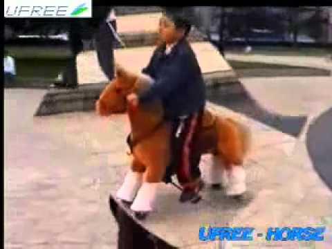 fahrt auf pferd spielzeug auf ihm reiten und wirklich laufen kann youtube. Black Bedroom Furniture Sets. Home Design Ideas