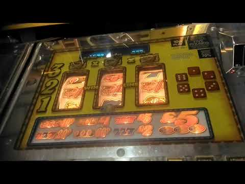 FOUR  INVINCIBLE JACKPOTS ADDERS AND LADDERS ARENA FRUIT MACHINE WESTON SUPER MARE 2017