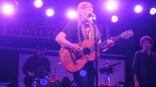 "Willie Nelson & Family, Floores Country Store, ""Shotgun Willie"""