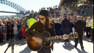 James Bay (Busking) - Craving (Acoustic) @ Sydney Opera House (Forecourt) 14/08/2015