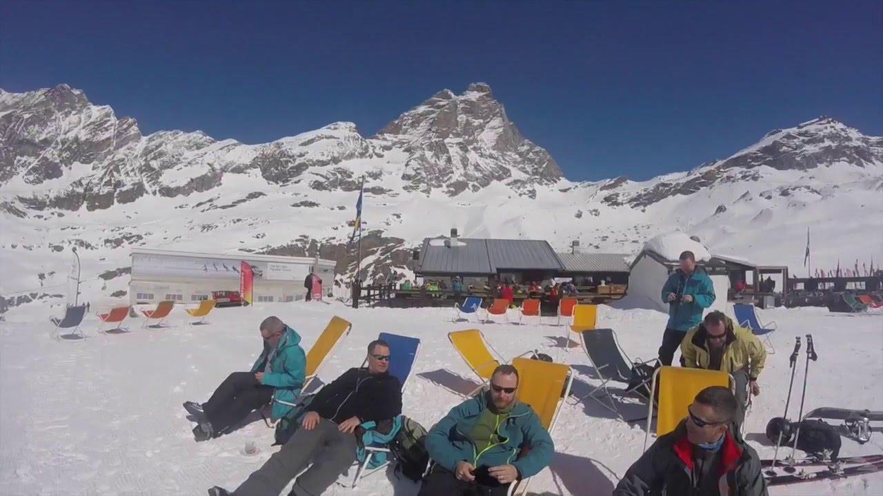 Soccorso e sicurezza sulle piste da sci. decollo dell'elicottero all'abetone - agipress