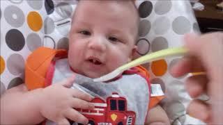 Video Introdução Alimentar - Bebe de 4 meses download MP3, 3GP, MP4, WEBM, AVI, FLV Oktober 2018