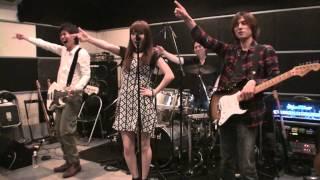 黒崎真音の「FRIDAY MIDNIGHT PARTY!!」の振付です ライブやイベントで...