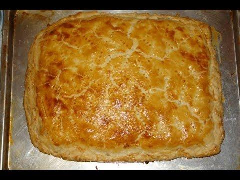 Рыбный пирог из слоёного дрожжевого теста