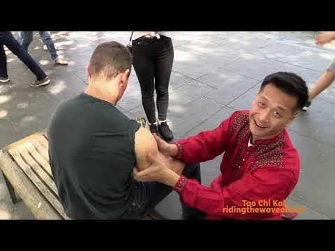 ASMR Outside - Massage - Helping Tourist - Pay It Forward - Tao Chi Kai - Leicester Square