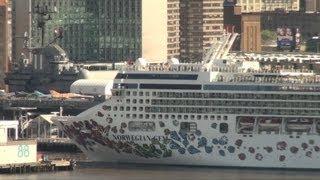 Norwegian Gem Departs New York (April 27, 2013)