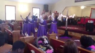 "Ruach Dance Ministry ministering ""Here I Am to Worship"""