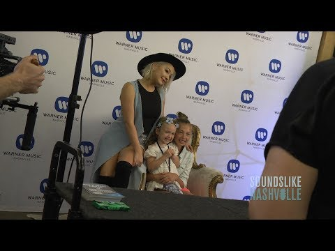 RaeLynn Hosts Ultimate Fan Experience During 2018 CMA Music Festival