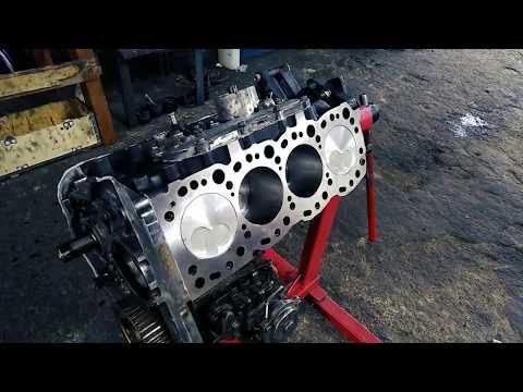 Toyota HILUX 3L Engine REBUILD (Timelapse)