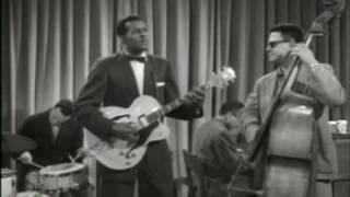 Chuck Berry - LITTLE QUEENIE - 1959 HQ!