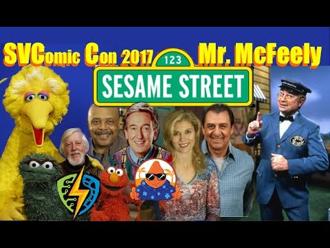 Sesame Street Mr Mcfeely From Mr Rogers Neighborhood Silicon Valley Comic Con 2017 Svcc Youtube
