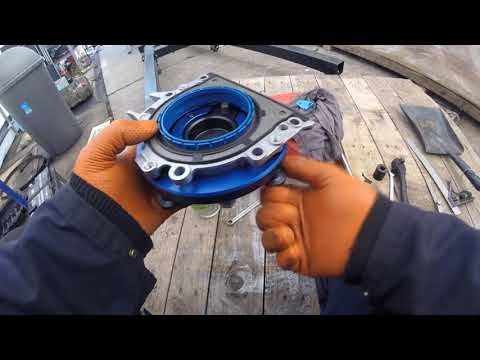 How To Change The Crankshaft Oil Seal VW Crafter 2.5 / Как поменять сальник коленвалаVW Crafter 2.5