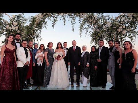 أوزيل يتزوج من ملكة جمال تركيا.. وإردوغان وعقيلته يشهدان على عقد القران…  - 13:53-2019 / 6 / 17