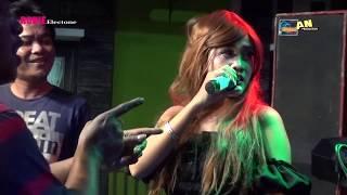 Download Lagu RONIE ELECTONE - SAMBEL GOANG - YULI PERMATA LIVE PESURUNGAN LOR - TEGAL 2018 mp3