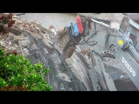 Canacona Tragedy day 6 - Volvo Crusher in action, more bodies etc