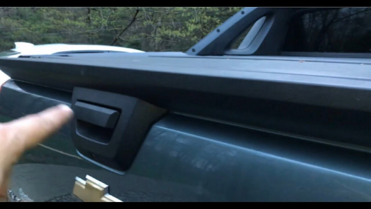 Chevy Avalanche Tailgate Spoiler Replacement Part 1 Youtube