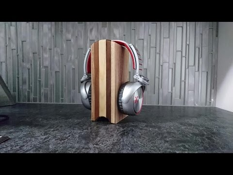 Headphone stand