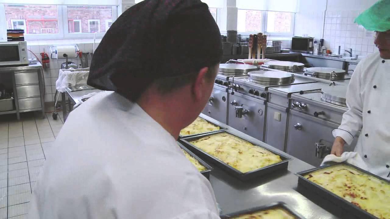 Klinikum Südstadt: Apotheke, Küche, Villa s - YouTube