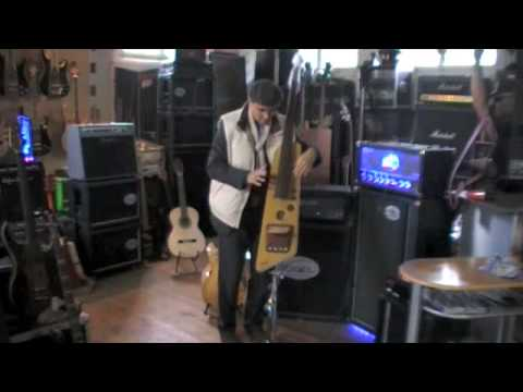 VOGEL B.Genius 2 electric Upright Bass into a Vogel Monster Bass 400 by Urs Fuchs