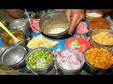 Indian Street Food - Masala Poha / Poha Mixture - Street Food India Kolkata (Bandel Station)