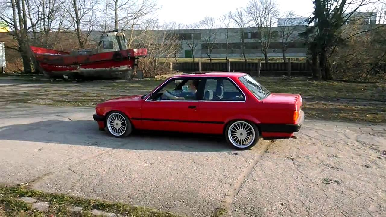 Red Gusheshe Bmw e30 red coupe 17in...