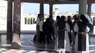 راهبات في المسجد الأقصى 2