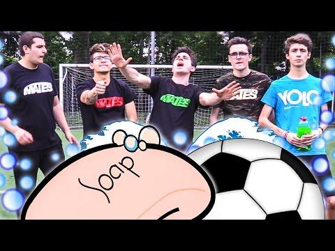 SLIP AND SLIDE FOOTBALL CHALLENGE! MATES & FAVIJ [CALCIO SAPONATO]