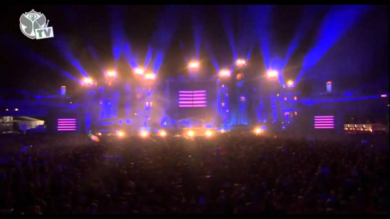 Steve Aoki live at Tomorrowland 2012 HD