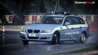 Repeat youtube video Auto Polizia: Guida Estrema con gomme Pirelli