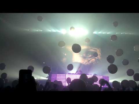 Tiesto College Invasion Tour balloon drop San Jose State University 3/5/2013