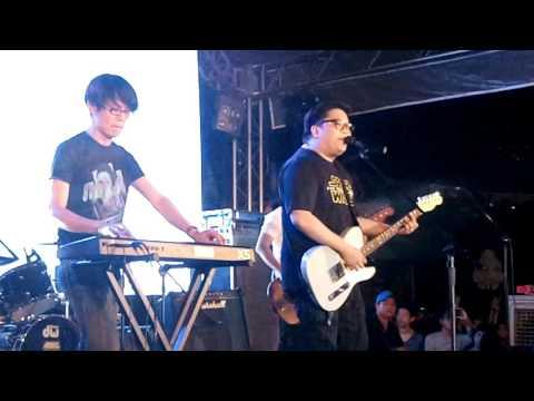 Akin Ka Na Lang - Itchyworms (LIVE)