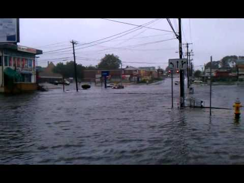 Hurricane Irene floods Boston Ave, Bridgeport, CT