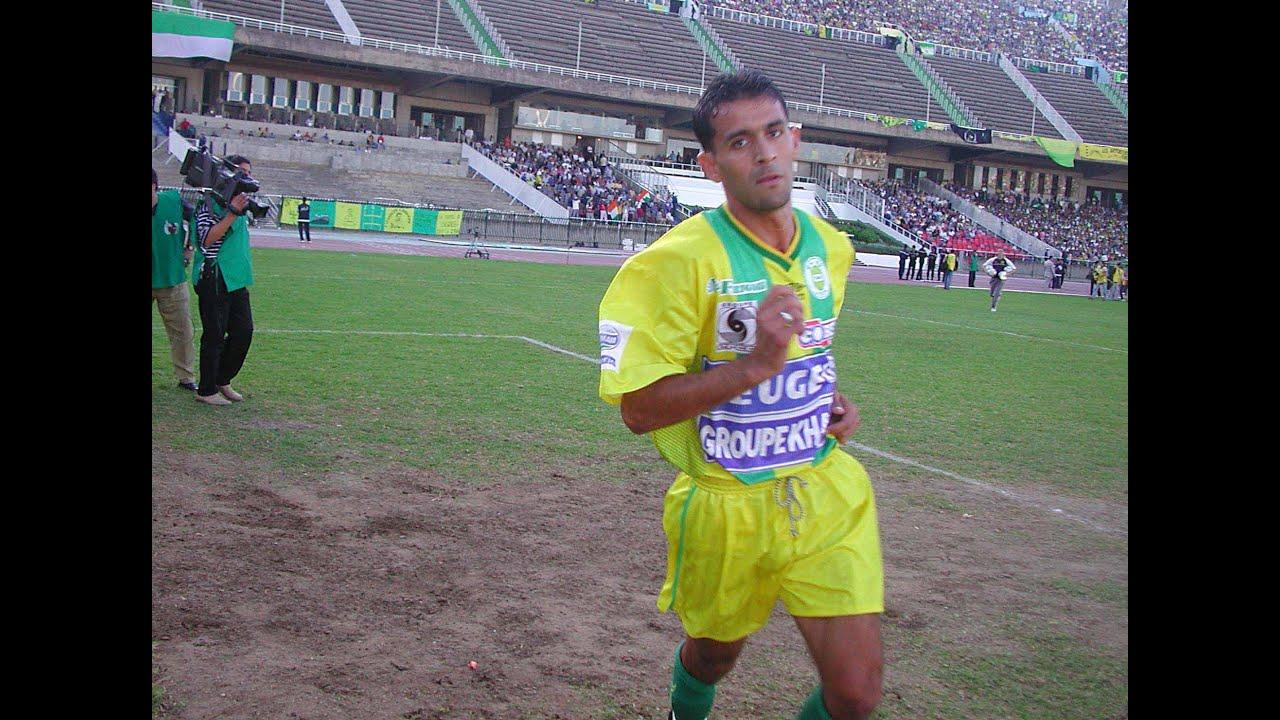 JSK ( superbe ambiance CAF 2002) by Chouaib Kahoul